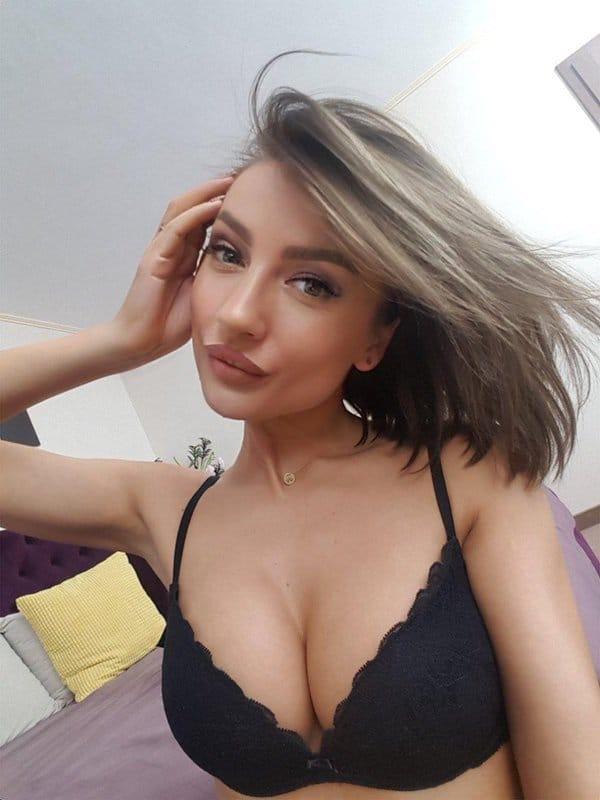Eva Devine